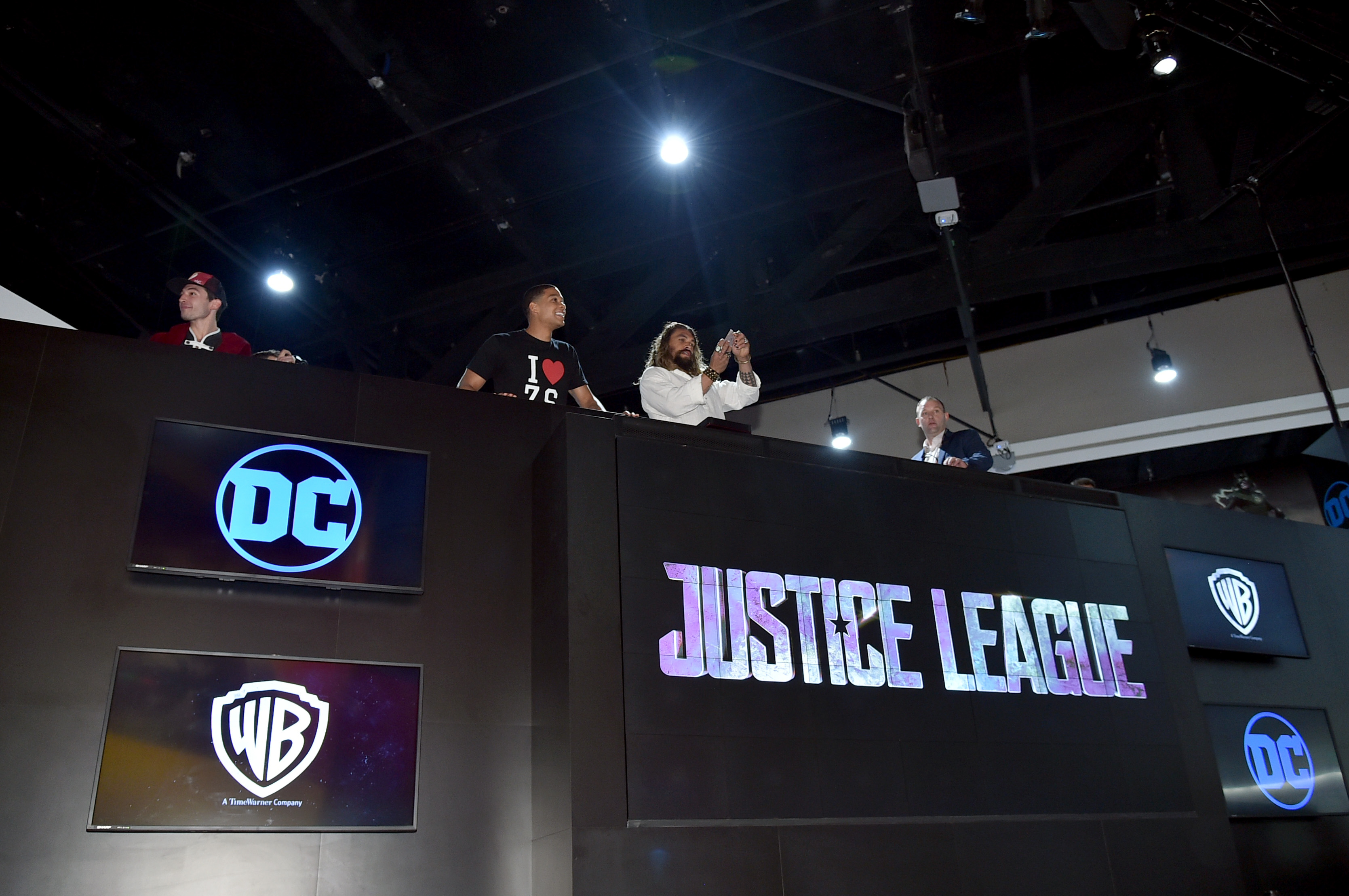 Comic-Con International 2017 - 'Justice League' Autograph Signing