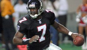 Atlanta Falcons rookie quarterback Michael Vick lo